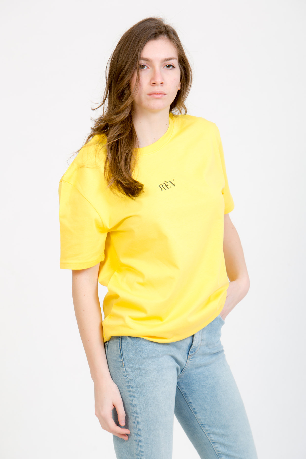 LERÊVERIES - T-shirt Oversize Donna RÊV Manifesto Colore Giallo - B